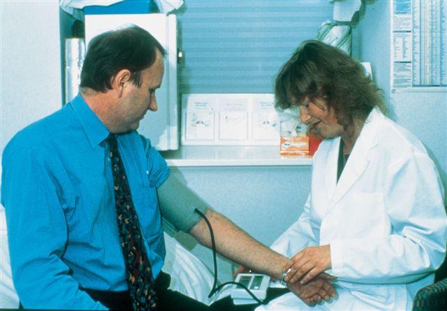 La hipertensión arterial puede tener origen vírico