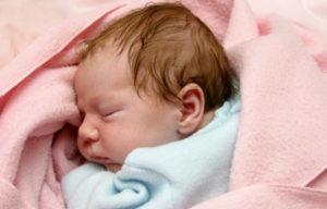 La presencia de los padres al dormir es más negativa para los niños que dormir con ellos