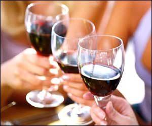 El alcohol aumenta riesgo de recurrencia de cáncer de mama.