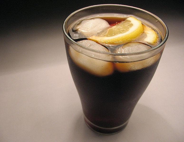 Las bebidas con cafeína en la adolescencia, ¿contribuyen al uso posterior de drogas?