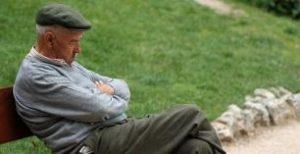 los adultos sanos pueden necesitar menos sueño a medida que envejecen