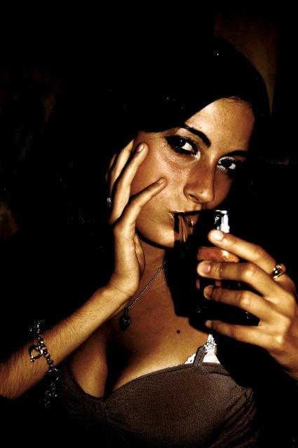 Las mujeres que beben moderadamente ganan menos peso